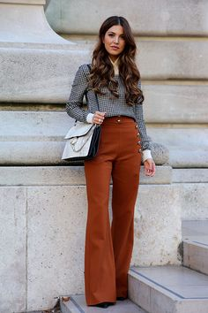 trend_alert_suede_pants_flare-street-style-fall_winter16