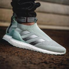 """3,972 Likes, 29 Comments - FOOTY.COM (Soccer) (@footydotcom) on Instagram: """"Hit the LINK IN BIO to view our unboxing of the latest @adidas Purecontrol UltraBOOST colourway. .…"""""""