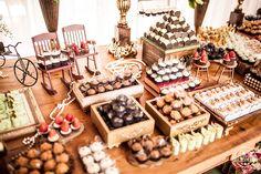 Casamento realizado no Bom Conselho Eventos.  Decoração: Neo Decor Festas e Eventos Foto: Foco Foto e Vídeo