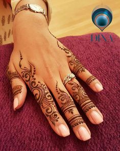 Guest mehndi on one of the most lovliest, kindest, bubbly. Guest mehndi on one of the most lovliest, kindest, bubbly. Henna Hand Designs, Indian Henna Designs, Mehndi Designs For Fingers, Beautiful Henna Designs, Mehndi Art Designs, Latest Mehndi Designs, Henna Tattoo Designs, Simple Mehndi Designs Fingers, Henna Tattoo Hand