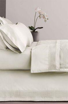 400 Thread Count Bed Skirt. Beautiful bedroom ideas #beddingsets #bedlinen #luxurybedding modern bedroom, bedroom decoration, duvet cover | More decoration ideas at www.plumesilk.com