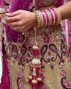 dulhan indian pakistani bollywood bride desi wedding bangles kalira henna mehndi