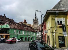 Fotografii din Sighisoara: Octombrie Mansions, House Styles, Home Decor, Decoration Home, Room Decor, Fancy Houses, Mansion, Manor Houses, Mansion Houses