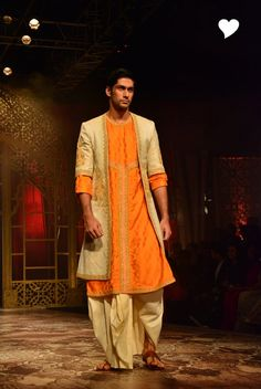Raghavendra Rathore's Collection at India Bridal Fashion Week 2014 ! Indian Men Fashion, Indian Bridal Fashion, Bridal Fashion Week, Ethnic Fashion, Fashion Fashion, Wedding Dresses Men Indian, Wedding Outfits For Groom, Wedding Suits, Wedding Wear