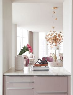 If you are a design lover you have to see this fantastic product. Covet House represent the best interior design brands and I give you all the inspiration froom they.  #covethouseinspiration #designinterior #interiortopbrands #luxuryfurniture #homeinspiration