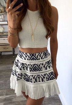Super cute outfit!⚜Buffy VS⚜I like the cropped top & the high waisted skirt, there's only a tiny bit of skin showing, much classier!