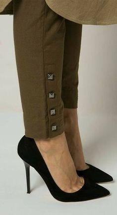 28 Fall Pants To Inspire Every Girl - Global Outfit Experts Plazzo Pants, Salwar Pants, Trouser Pants, Adidas Pants, Ankle Pants, Harem Pants, Salwar Designs, Fall Pants, Pantalon Large