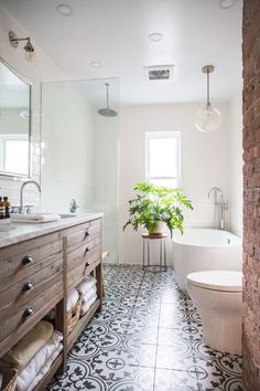 Bathroom decor for the bathroom renovation. Learn bathroom organization, master bathroom decor tips, master bathroom tile suggestions, bathroom paint colors, and much more. Bathroom Inspo, Bathroom Inspiration, Bathroom Layout, Design Bathroom, Bath Design, Tile Design, Design Design, Bathroom Colors, Bathroom Styling