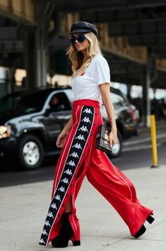 Sporty Outfits : Description Faith Connexion x Kappa track pants Athleisure Outfits, Sporty Outfits, Fashion Outfits, Streetwear, 90s Fashion Grunge, Nineties Fashion, 90s Grunge, Estilo Grunge, Fashion Week
