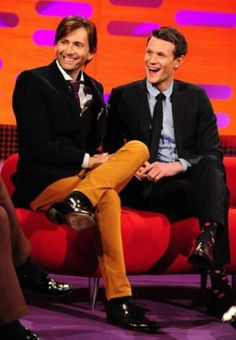 10 & 11 together - timey-wimey @davidtfan 3h David Tennant and Matt Smith on The Graham Norton show tonight. How beautiful are they. pic.twitter.com/KCJq1Lc4To