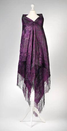 Shawl, Early 20th century, Silk, silk fringes,  Dorotheum Vintage,  http://www.dorotheum.com/