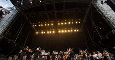 Dvadsiaty druhý ročník najväčšieho festivalu pod slovenským nebom otvorili tisíce ľudí, Slovenský komorný orchester s vyše 100-členným zborom hral a spieval Opera House, Country, Concert, Travel, Viajes, Rural Area, Concerts, Destinations, Country Music