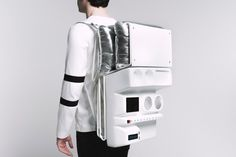 Astronaut-Like Technopicnic Backpack – Fubiz Media