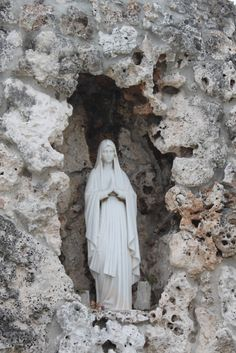 Our Lady of Lourdes - the Grotto France, I think when we take confirmation I will choose Bernadette as my saints name. Blessed Mother Mary, Divine Mother, Blessed Virgin Mary, Catholic Religion, Catholic Saints, Religious Icons, Religious Art, Santa Maria, Saint Philomena