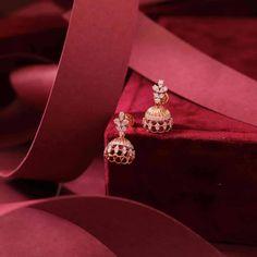 Real Diamond Earrings, Diamond Chandelier Earrings, Diamond Jhumkas, Baby Earrings, Gold Chain Design, Gold Jewellery Design, Diamond Jewellery, Gold Earrings Designs, Necklace Designs