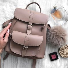 Back to school with Grafea cute bags – Just Trendy Girls Fashion Bags, Fashion Backpack, 90s Fashion, Back Bag, Cute Backpacks, Backpack Purse, Grafea Backpack, Girls Bags, Cute Bags