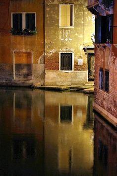 Venetian reflections by Elisabetta Casale ©