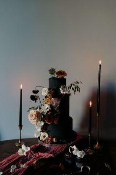 Jaw-Dropping Halloween Wedding Cakes: Black Wedding Cakes // Discovered by Black Wedding Cakes, Fall Wedding Cakes, Elegant Wedding Cakes, Romantic Weddings, Wedding Cake Toppers, Black Weddings, Wedding Black, Gothic Wedding Cake, Party Wedding