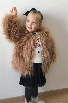 Baby Infant Toddler Girls Chocolate Brown Caridgan Sweater Faux Fur Handmade Teddy Bear Face One Size 12-18 months