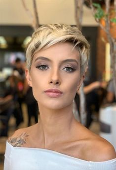 42 Hottest Short White & Blonde Pixie Haircuts -Femininity and Practicality - Page 18 of 42 Blonde Pixie Haircut, Short Blonde Pixie, Pixie Haircut For Thick Hair, Short Pixie Haircuts, Blonde Pixie Hairstyles, Pixie Haircut Color, Asymmetrical Pixie Haircut, Women Pixie Haircut, Undercut Pixie Haircut