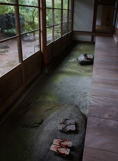 """Japanese traditional earthen floor, Doma 土間- coolest ideal ever to separate """"dirty"""" floor from """"living"""" floor Japanese Style House, Traditional Japanese House, Traditional Landscape, Japanese Homes, Japanese Interior, Japanese Design, Japanese Architecture, Sustainable Architecture, House Architecture"""
