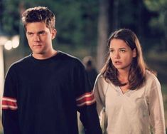 Joey Dawson's Creek, Dawson Creek, Dawsons Creek Pacey, Pacey Witter, Joey Potter, Tv Show Couples, Fashion Tv, Katie Holmes, Girl Next Door