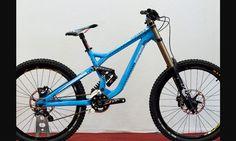 Commencal down hill bike doble suspencion