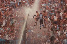 Racing Campeón Apertura 2001 - Los hinchas en el Estadio de Vélez Sarsfield a poco del pitazo final.