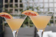 Deze El Diplomatico cocktail is een diplomatieke combinatie van zachte Diplomatico rum, zure grapefruit en zoete kersen. Probeer hem eens uit!