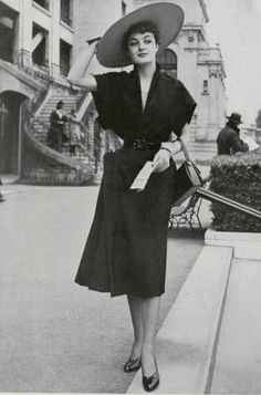 Model in black linen afternoon dress by Jeanne Lafaurie, photo by Seeberger, 1950 Vintage Dresses, Vintage Outfits, Vintage Fashion, 1950s Dresses, Vintage Style, Jeanne Lafaurie, Fashion Mark, Vintage Couture, Fashion History
