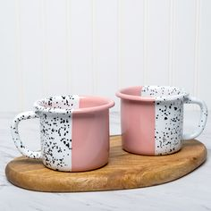 Enamel Mug Set Maybe it is not our favorite day, but we should be grateful that we woke up and do our best to make it count. Have a sunny Monday! Ceramic Cafe, Color Me Mine, Painted Driftwood, Couple Mugs, Jazz, Non Toxic Paint, Light Images, Pottery Painting, Mugs Set