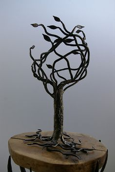 """Discover even more info on """"metal tree art decor"""". Have a look at our internet site. Metal Tree Wall Art, Metal Art, Painting Shower, Tree Lamp, Tree Artwork, Welding Projects, Art Projects, Diy Welding, Welding Tools"""