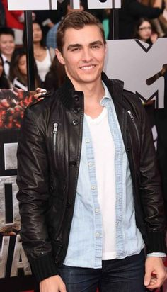 MTV Awards Dave Franco Wearing a Stylish Jacket  Jacket Specification   Outfit type: Genuine Gender: Male Color: Black Front: Front Button Closure Pockets: Two Buton closure pockets and Two Zipper Closure on Chest