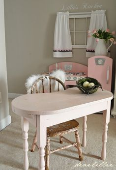 Dear Lillie: A Little Bit of Spring in Lillies Room