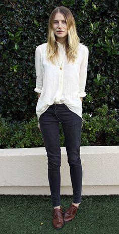 เสื้อเชิ้ต สีขาว Dree Hemingway