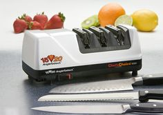 Tired of dull knives? Are you looking for a easy and fast way to sharpen you kitchen knives? Then take a look at the best chefs choice knife sharpener. Best Electric Knife Sharpener, Best Knife Sharpener, Knife Sharpening, Silicone Kitchen Utensils, Chef's Choice, Types Of Knives, Fillet Knife
