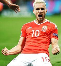 The #Ramsey roar! #EURO2016 #Wales