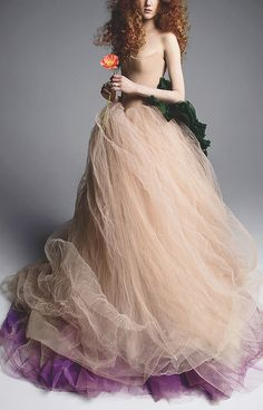 This **Vera Wang** Anna Strapless Ballgown features a scalloped neckline, multi-layered crinkle tulle skirt, and violet hem. Beige Outfit, Outfit Chic, Autumn Look, Tulle Wedding Skirt, Wedding Dresses, Wedding Poses, Wedding Bride, Wedding Ideas, Vera Wang Bridal