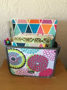 #ThirtyOne Double Duty Caddy used to store planner, notebook, and craft supplies! | Spring/Summer #2015 www.mythirtyone.com/cdmurray