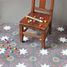 Carreau de ciment Kermesse charbon - prix échantillon - Petit Pan - vivre en multicolore