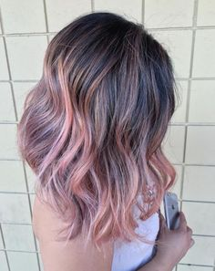 It works with darker hair styles too, as you can see from this ombre balayage style.