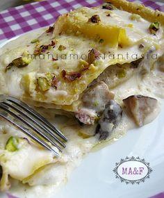Queste lasagne ai funghi con gorgonzola e pistacchi tritati lasceranno stupiti voi e i vostri commensali. Provate la ricetta cliccando sul link.