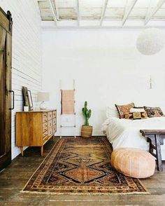 6 Splendid Tips: Minimalist Home Inspiration Scandinavian Style minimalist living room design projects.Minimalist Home Inspiration Scandinavian Style minimalist living room design projects.Minimalist Home Inspiration Scandinavian Style. Bohemian Style Home, Bohemian Rug, Vintage Bohemian, Boho Rugs, Bohemian Living, Hippie Bohemian, Decor Vintage, Bohemian Chic Decor, Vintage Rugs