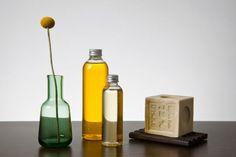 A principal diferença entre óleo essencial e essência são os benefícios terapêuticos do produto. Apenas os óleos essenciais, que são substâncias puras e