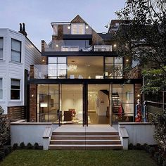 Tag a person you'd live with here! ✨Cow Hollow Home (1959) by Julie Dowling Location: #SanFrancisco, #USA