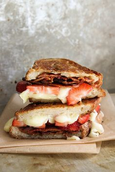 ILIKEITTHATWAY dinner lunch meal recipe savoury vegan healthy dessert recipe sweets sweet yum easy gourmet vegan drink coffee cocktail Brie, Bacon, and Strawberry Grilled Cheese Sandwich Grill Sandwich, Soup And Sandwich, Sandwich Recipes, Steak Sandwiches, Chicken Sandwich, Wrap Sandwiches, Pizza Recipes, Dinner Recipes, Dessert Recipes