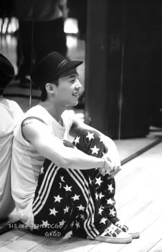 G-Dragon: Alive Tour in Seoul Photo Book Scans [PHOTOS] | bigbangupdates