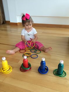 Fun Activities to Help Your Toddler Learn Colors! Toddler Fine Motor Activities, Child Development Activities, Childcare Activities, Indoor Activities For Toddlers, Nursery Activities, Motor Skills Activities, Preschool Learning Activities, Games For Toddlers, Infant Activities