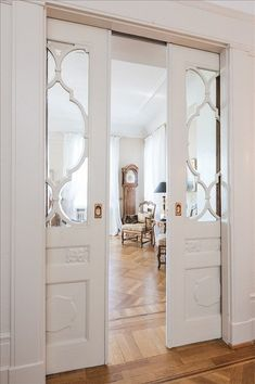 LOVE these doors.always have loved pocket doors from the moment I realized the doors into my g-ma's parlor (victorian home) had huge pocket doors. Style At Home, The Doors, Entrance Doors, Half Doors, Door Entry, Windows And Doors, Design Case, Home Fashion, Interior Design Inspiration