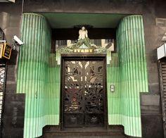 Itahy building,art deco door entrance.